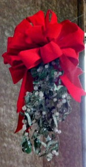 Mistletoe at Union Station
