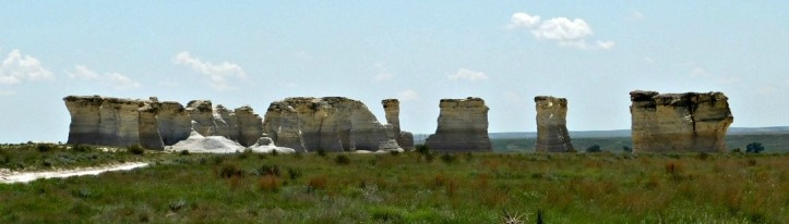 Monument rocks distance 2